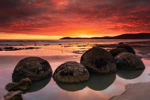 Eastern Rocks by Michaelthien