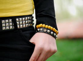 yellow or black by uydurukcu