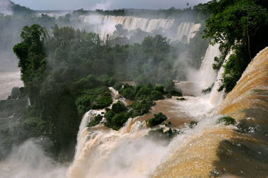 Iguazu Falls by ultradeq