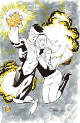 SDCC Invincible saves Gwen by RyanOttley