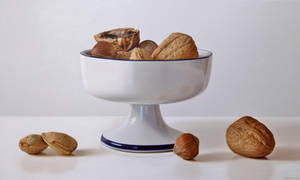Nuts in porcelain by ruddy84