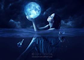 Moon Struck #2 by davdajuhi