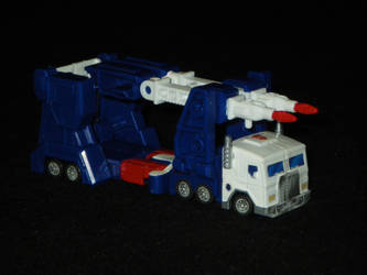 Kabaya Ultra Magnus, Alt Mode by GMfan101