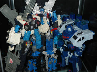 Ultra Magnus Madnus Shelf 3 by GMfan101
