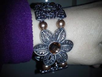 Brown topaz flower slide bracelet by BlackUnicornWood