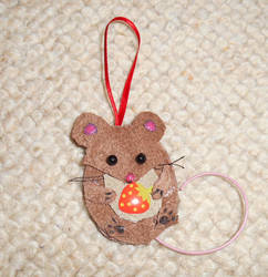 Leather - mouse with strawberry decoration by rockgem