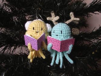 Caroling jellyfishes amigurumi ornaments pattern by AnneKo