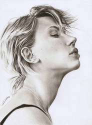 Scarlett Johansson by AmBr0
