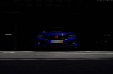 Lurking in the shadows by P3droD