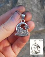 Little Giraffe silver pendant by fairyfrog