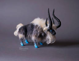 Niuzao The Black Ox by miaushka-workshop