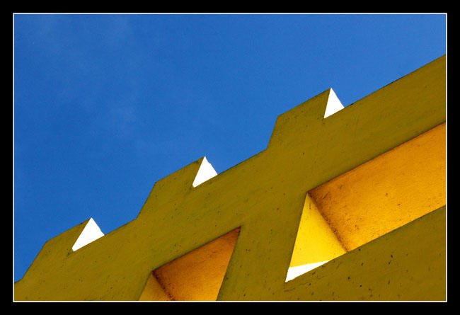 blue and yellow by chinlop