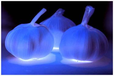 Garlic glow. by chinlop