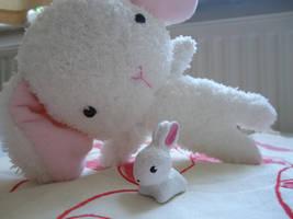 Bunny figurine by judithchen