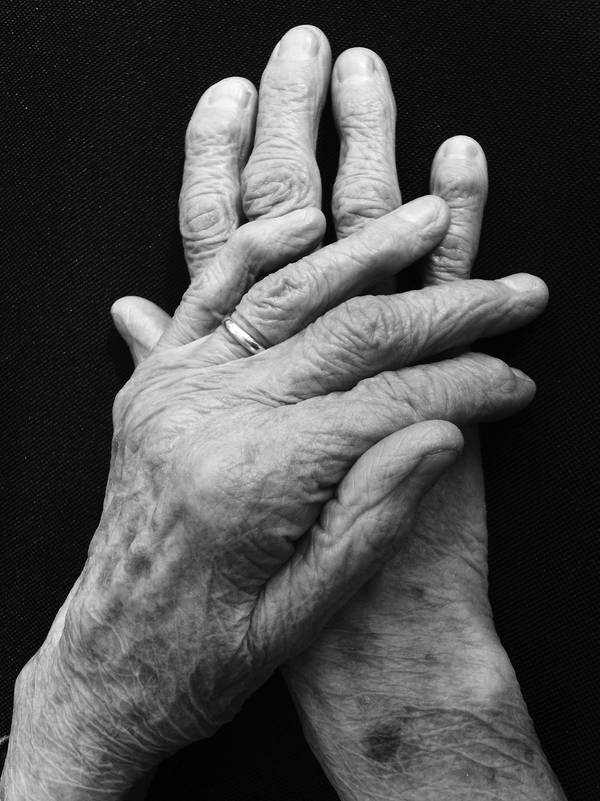 Old Hands by tardia