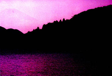 Lake Ashinoko by Kakutasu