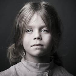 portrait ... by julie-rc