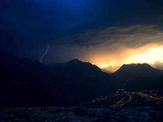 Storm is coming II by gillo-88