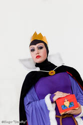 The Queen by Natasha--Wonka