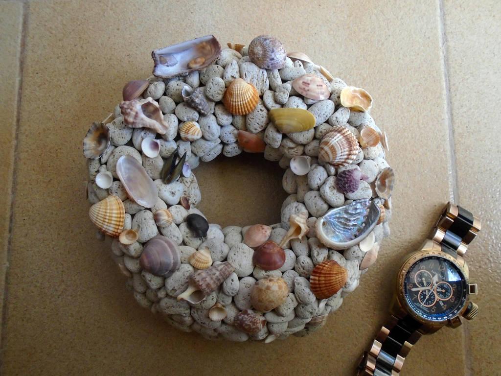 The smallest pumice stone wreath i made... by Johny-Leek-Sama