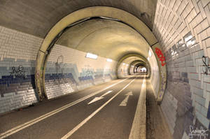 Tunnel Vision by suphafly