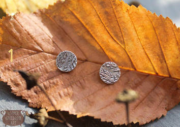 Silver earstuds with leaf imprint by NoctiLuna