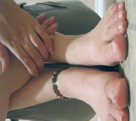 Green Braclet Feet 3 by goosehonker-stock