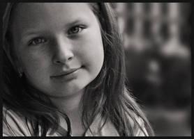 pretty girl by ThErEaLDoLLyFrikka