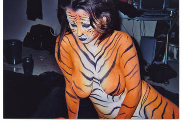 Tiger Bodypainting by HarlequinTears1981