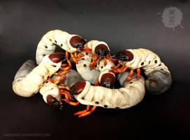 Grab a Grub! Posable Art Dolls by hikigane