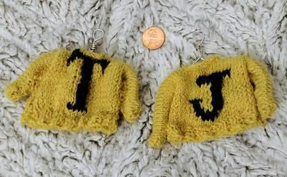 Huffelpuff sweater ornaments by Glori305