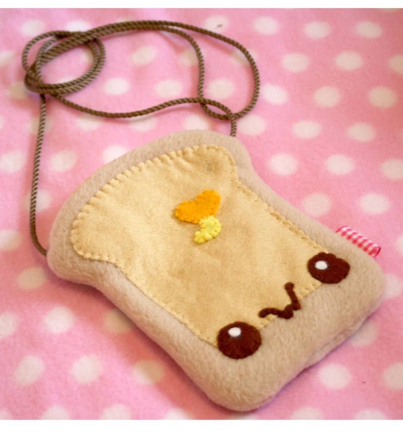 Toast Pouch by kickass-peanut