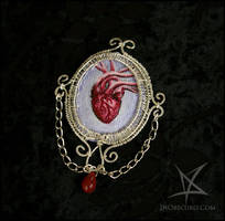 Anatomic heart brooch by MissAnnThropia