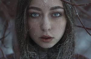 Girl Cold by KirillSakrukin