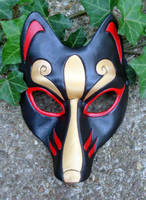 Black and Gold Kitsune Mask by merimask