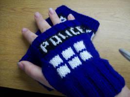 TARDIS Wristwarmers by katzypotter