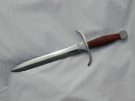 Dagger by MetalCreationZ