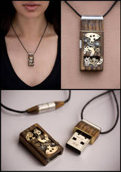 Mechanical Memory Pendant 8GB by back2root