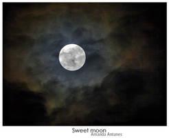 My full moon by Girlstuff