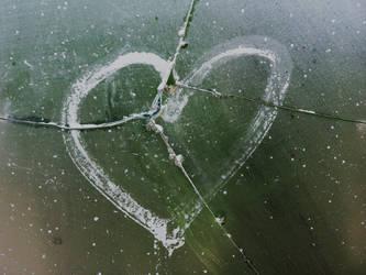 Broken heart by beetleman