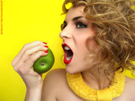 Kiss An Apple A Day 1 by Marciedip