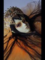 Gold (Soom Sard) by NogiSan