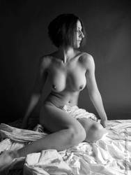 Naturalistic Nude Nr.10 by photonutz