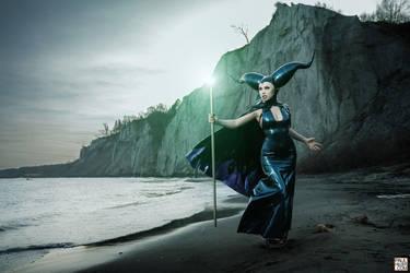 Maleficent by roadragebunny