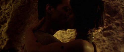 matrix kiss by Jasperhalegirl