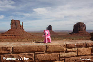 Pinkie Pie in Monument Valley by Framwinkle
