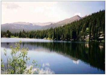 Lake in Colorado by ShiShijin