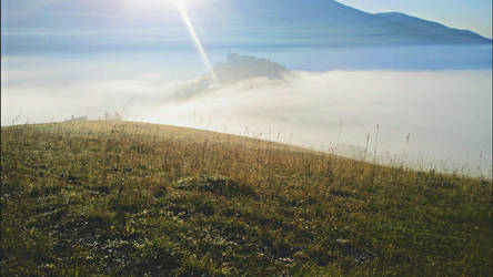 Castelluccio in the morning 2 by Hellle