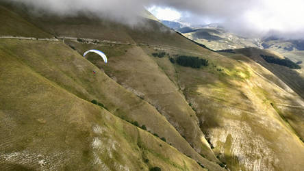 Paragliding in italien mountains 2 by Hellle