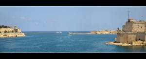The Entrance To The Port Of Valletta - Panorama by skarzynscy